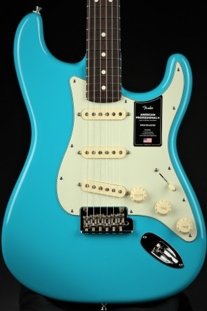 Fender American Professional II Stratocaster, Rosewood - Miami Blue