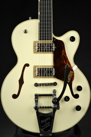 Gretsch G6659T Players Edition Broadkaster Jr. Center Block Single-Cut with String-Thru Bigsby, USA Full'Tron Pickups, Ebony Fingerboard - Two-Tone Lotus Ivory/Walnut Stain